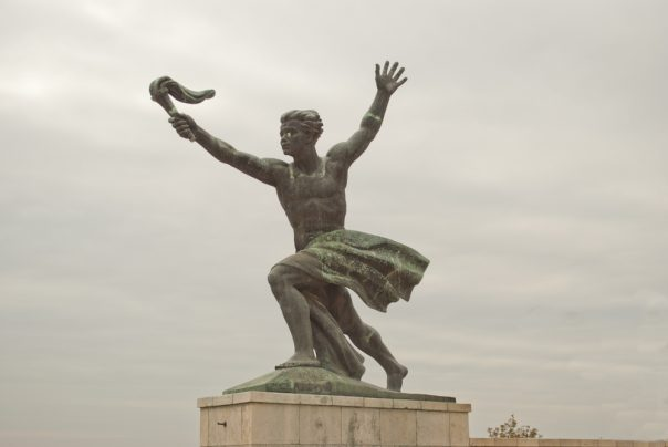 10 Budapest Pictures that will make you Want to Pack your Bags. Liberty Statue, Budapest