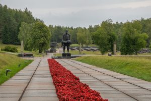 Explore Belarus at Own Pace Tour. The Khatyn Memorial – the Mound of Glory